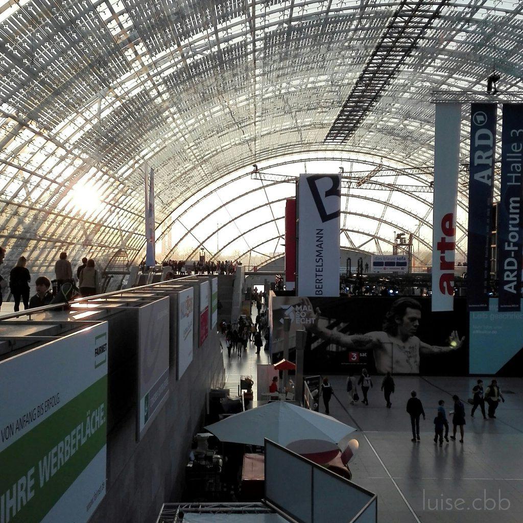 Leipziger Buchmesse 2019 Glashalle im Abendlicht