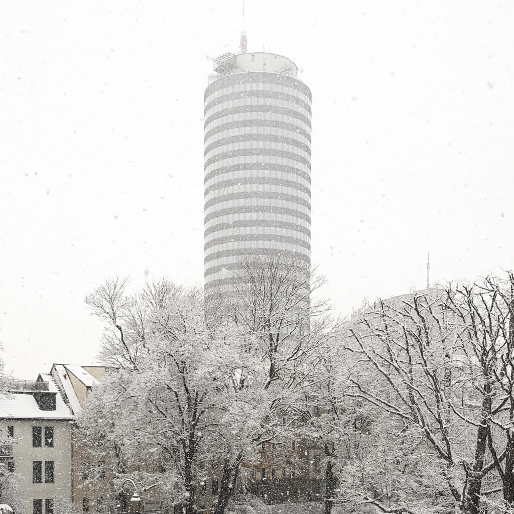 verschneiter Intershop Tower, Jentower Jena